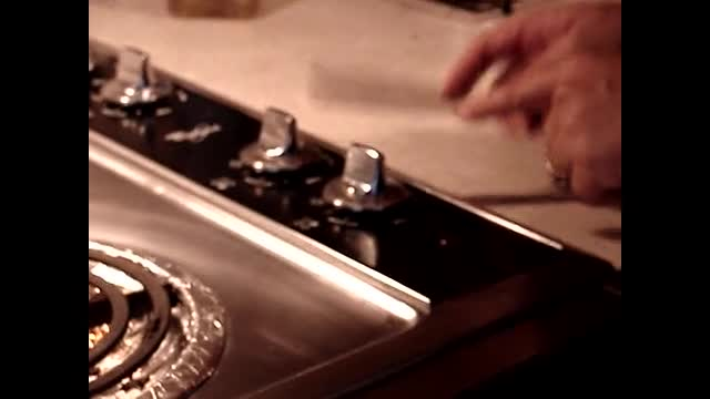 Pinetop - How to turn on the stove