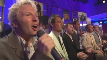 Bill & Gloria Gaither - Passin' the Faith Along (feat. Gaither Vocal Band) [Live]