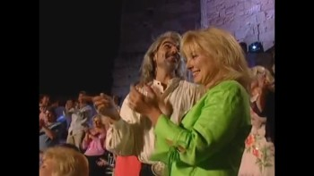 Bill & Gloria Gaither -Moses, Take Your Shoes Off  [Live]