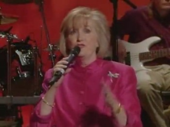 Bill & Gloria Gaither - When All of God's Singers Get Home (feat. Jeanne Johnson) [Live]