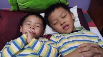 Brothers doing The Lord's Prayer... Adorable