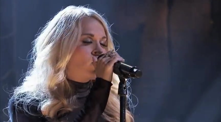 Carrie Underwood Sings Fix You - You Will Get Goosebumps!