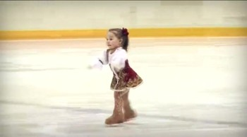 2 Year-Old Girl is an Excellent Ice Skater - AMAZING!