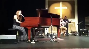 American Idol Finalist Angie Miller Sings at Church You Set Me Free