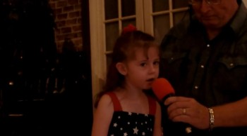 """Laura Richards sings """"God Bless America"""""""