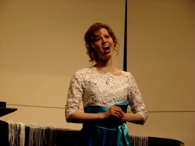 Sarah Curlin Singing 'The Nightingale & The Rose'