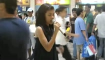 A Regular Girl Steps Up to a Karaoke Machine and Leaves Everyone Awestruck!