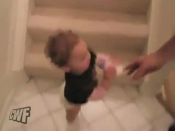 Hilarious Baby Uses the Stairs