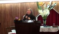 Esforzandonos a seguir las pisadas de Jesus. Hna. Viviana Garcia. 08-10-2013