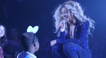 Beyonce Serenades a Girl with Te