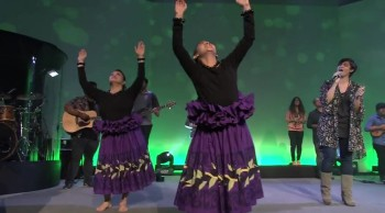 This is Most Beautiful Worship Experience Ever - New Hope Oahu - How We Worship