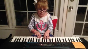 "Katy Rose taught herself to play ""Let It Go"" From Frozen"