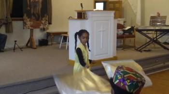 kids worshiping