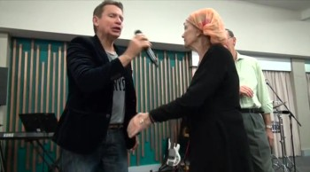 Lady hit by a bus miraculously healed - John Mellor Australian Healing Evangelist