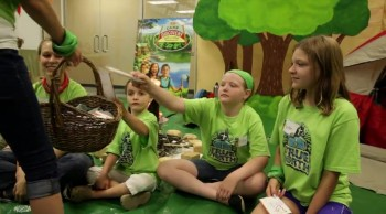 Camp Discovery Decorating | Creating Backdrops | Concordia's 2015 VBS