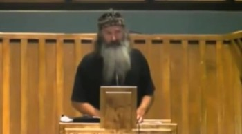 Duck Dynasty Fella's PREACHING Boldly in Church!
