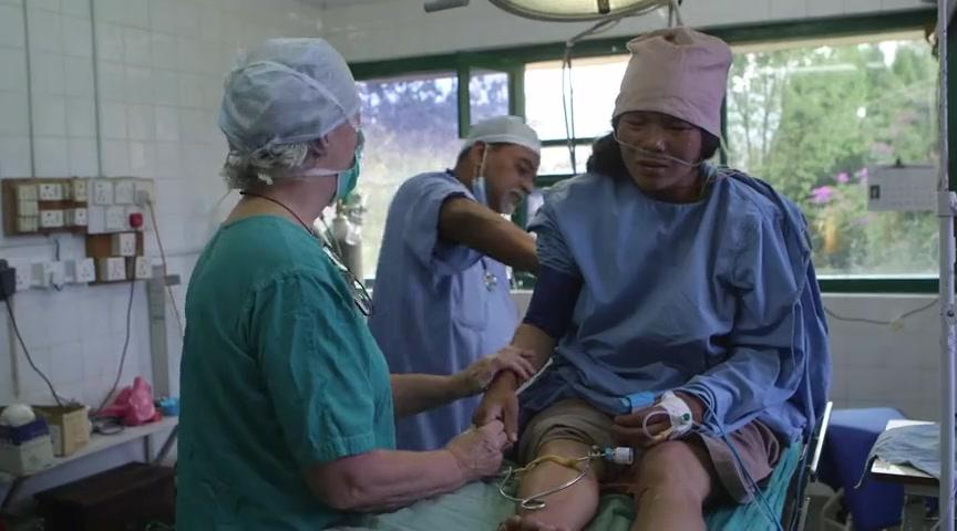 Medical Teams Reach Nepal Earthquake Survivors