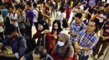 2 Volcano Eruptions In Indonesia Close 6 Airports