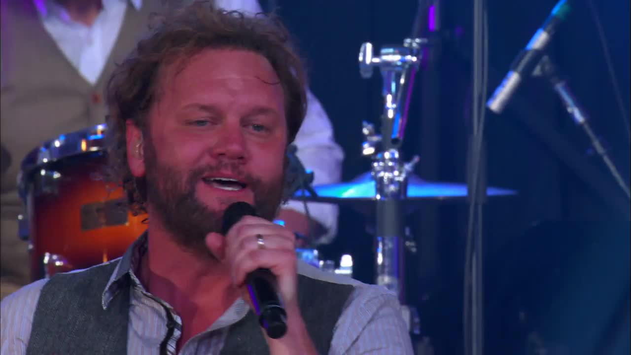David Phelps - Water (featuring Maggie Beth Phelps)