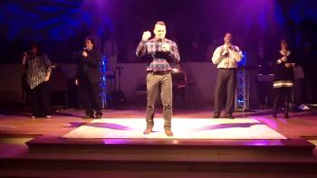 Amazing Grace (My Chains Are Gone) #2- Chris Tomlin, Aloma Church, 2/7/16