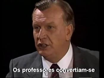 1990 interview with Dutch tv (Avivamento na Áfica do Sul-Port. subs) an interview with Erlo Stegen