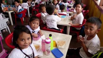 Avec les enfants des Philippines, ERDA