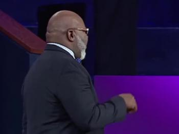 TD Jakes — A War Between Two Worlds