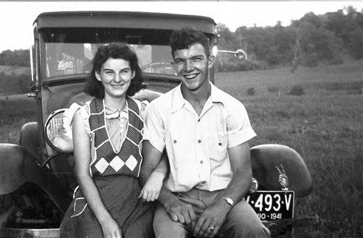 Kenneth and Helen post for a picture in 1941.