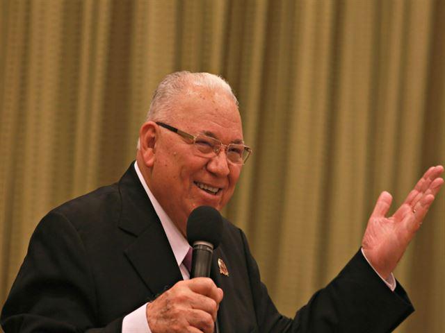 La Hora de la Transformación  with el Rev. Rodolfo González Cruz