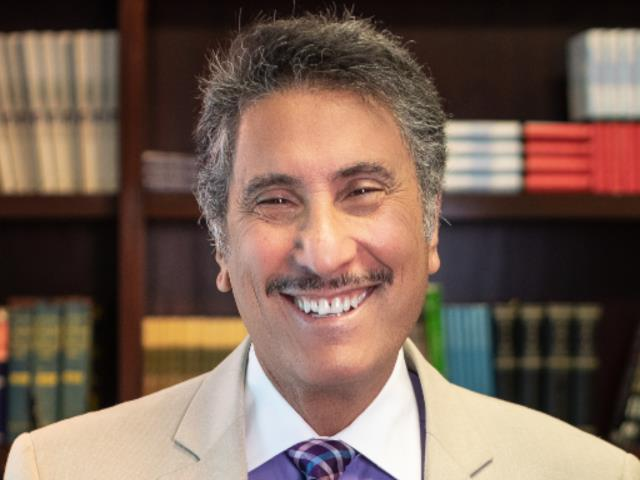 Leading The Way English-Farsi Radio with Dr. Michael Youssef